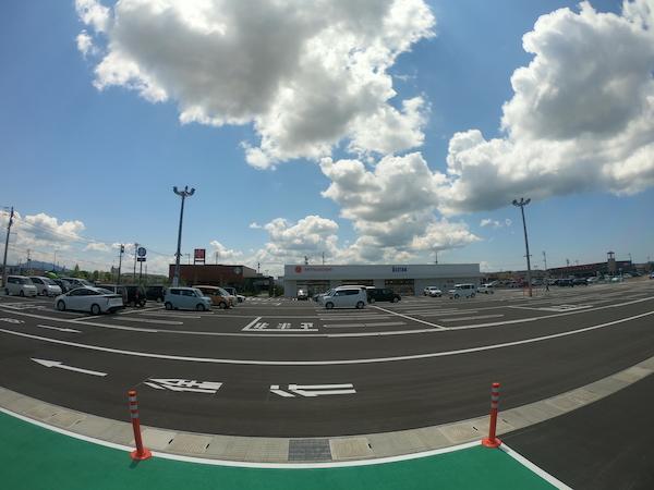 100台以上駐車可能な広い駐車場